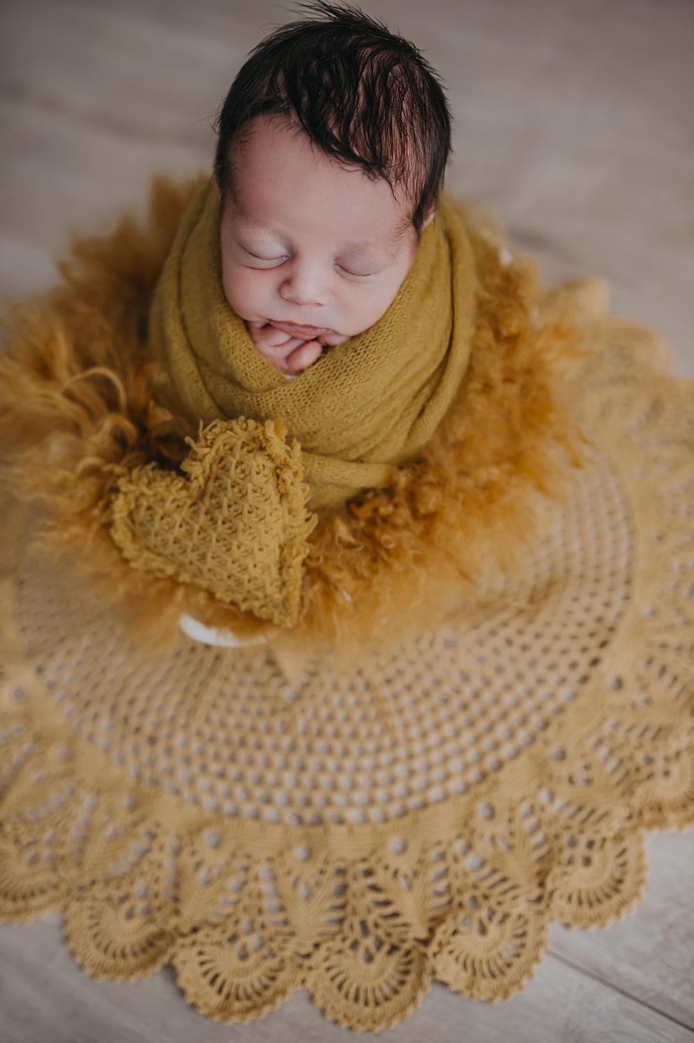 Neugeborenenfotografie-Schwangerschaftsfotografie-9month-Babyfotos-Babyshooting-Newbornfotos-Babybauchfotos-Fotografie-Katharina-Müller-www.fotografie-km.de