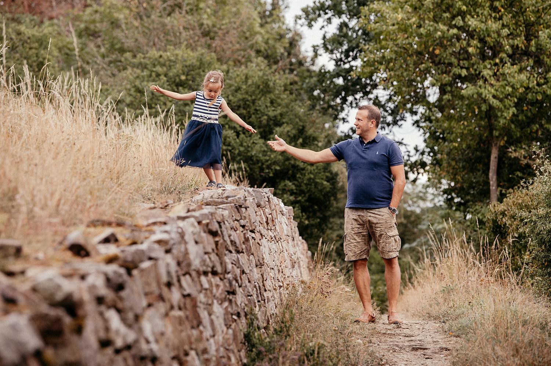 famillienbilder familienfotos familie geschwister montabaur familienfotografin koblenz limburg badcamberg familienshooting www.fotografie km.de katharina mueller